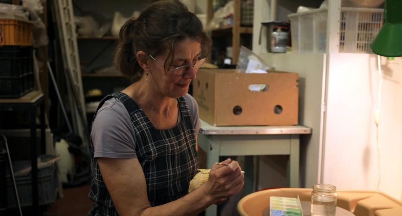 Annet Pallesen in atelier